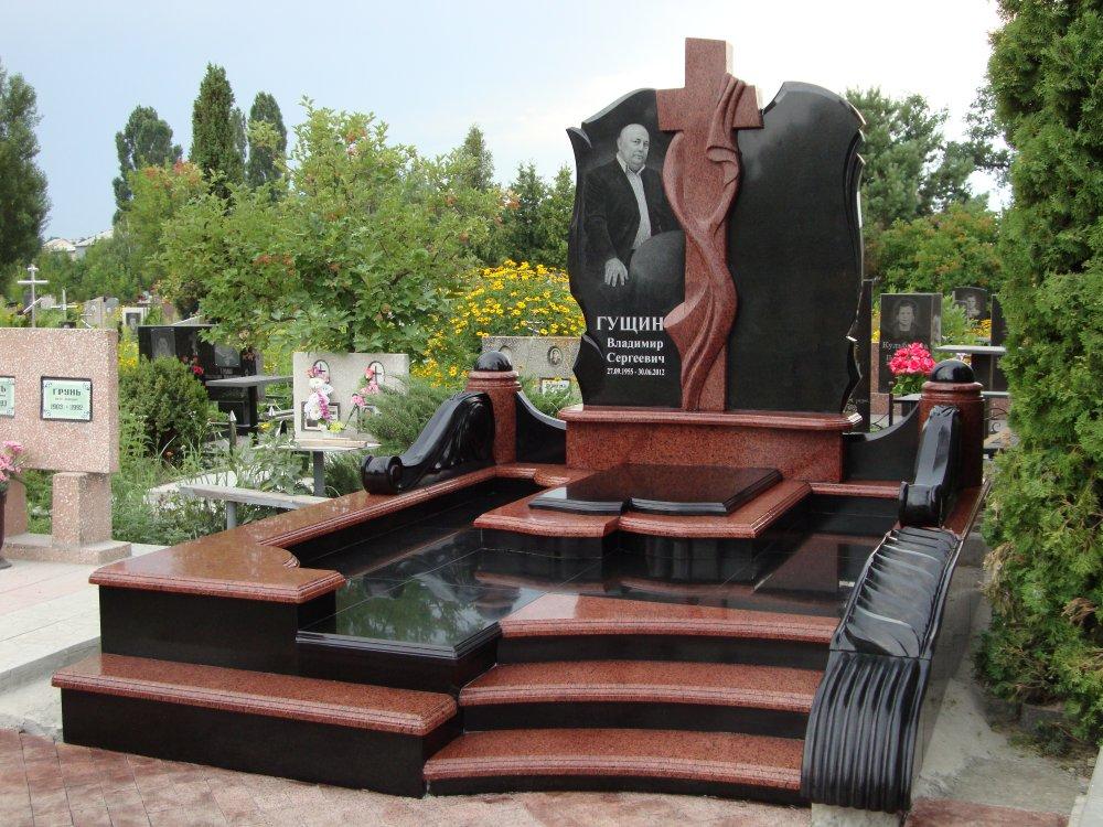Памятник из дымовского гранита